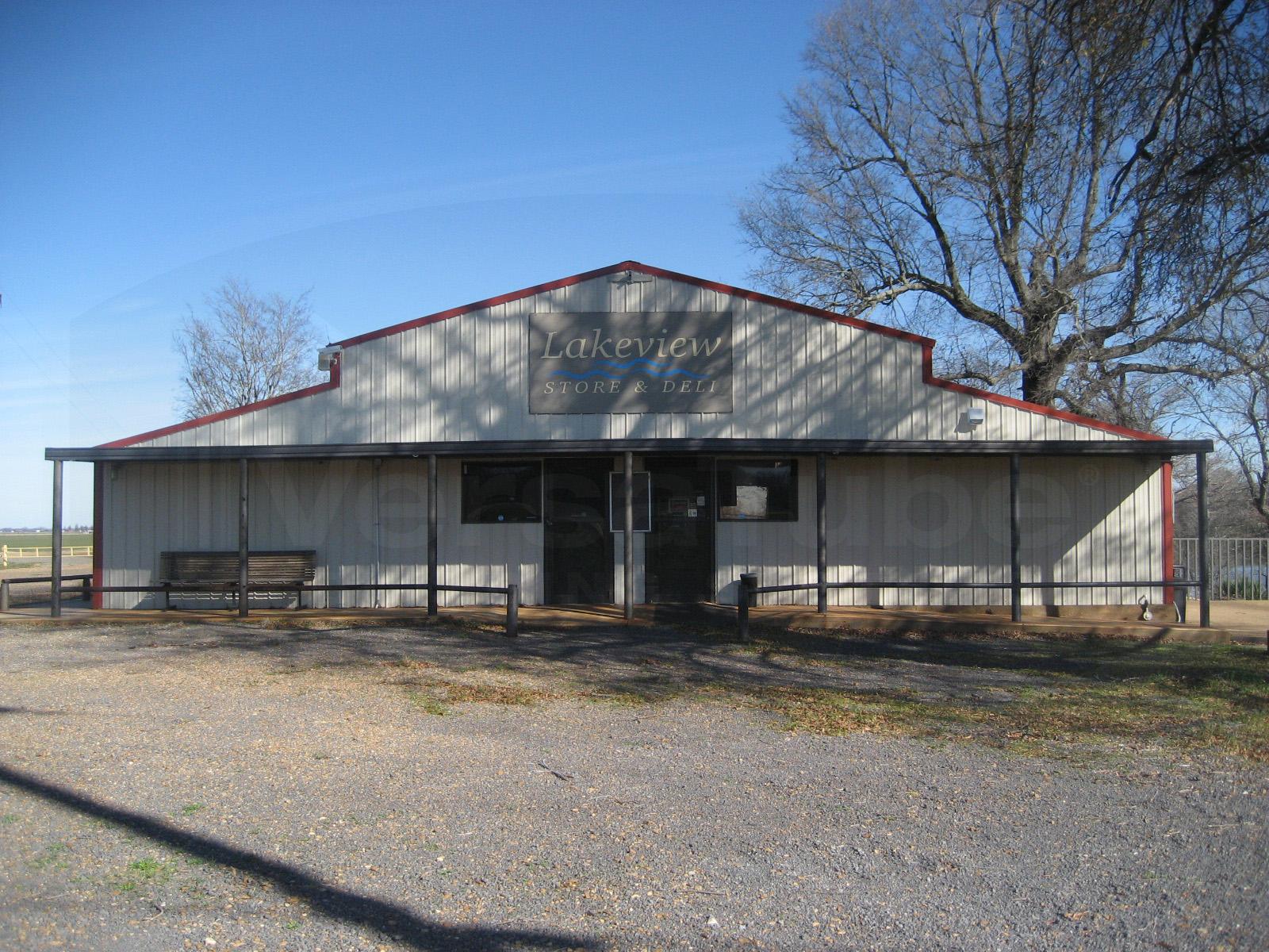 Highlander horse barn 36 x 36 x 13 8 barn or loafing for Barn construction kits